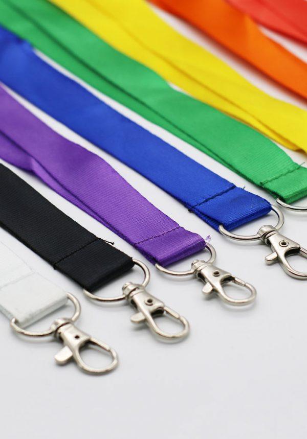Lanyards baratos sin personalizar en varios colores