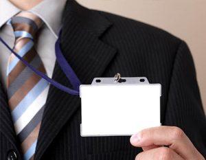Porta tarjetas de identificacion con lanyard
